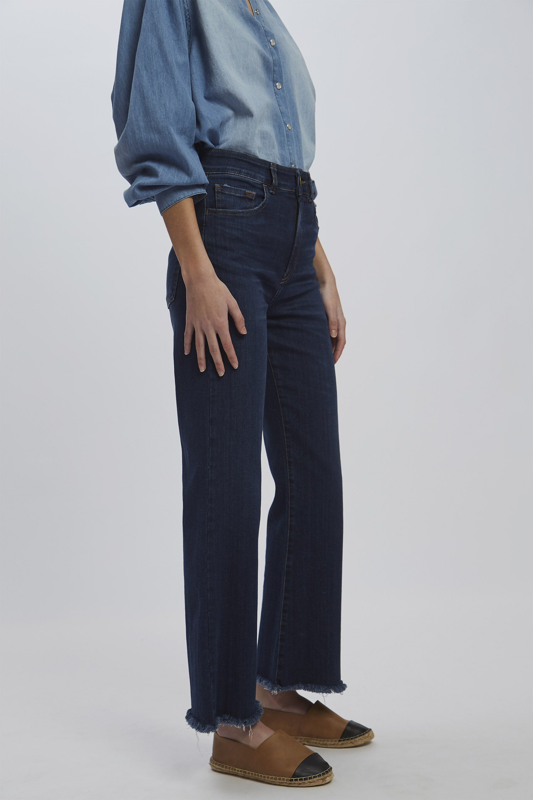 awada_oxford-cropped-jim_40-30-2020__picture-16276