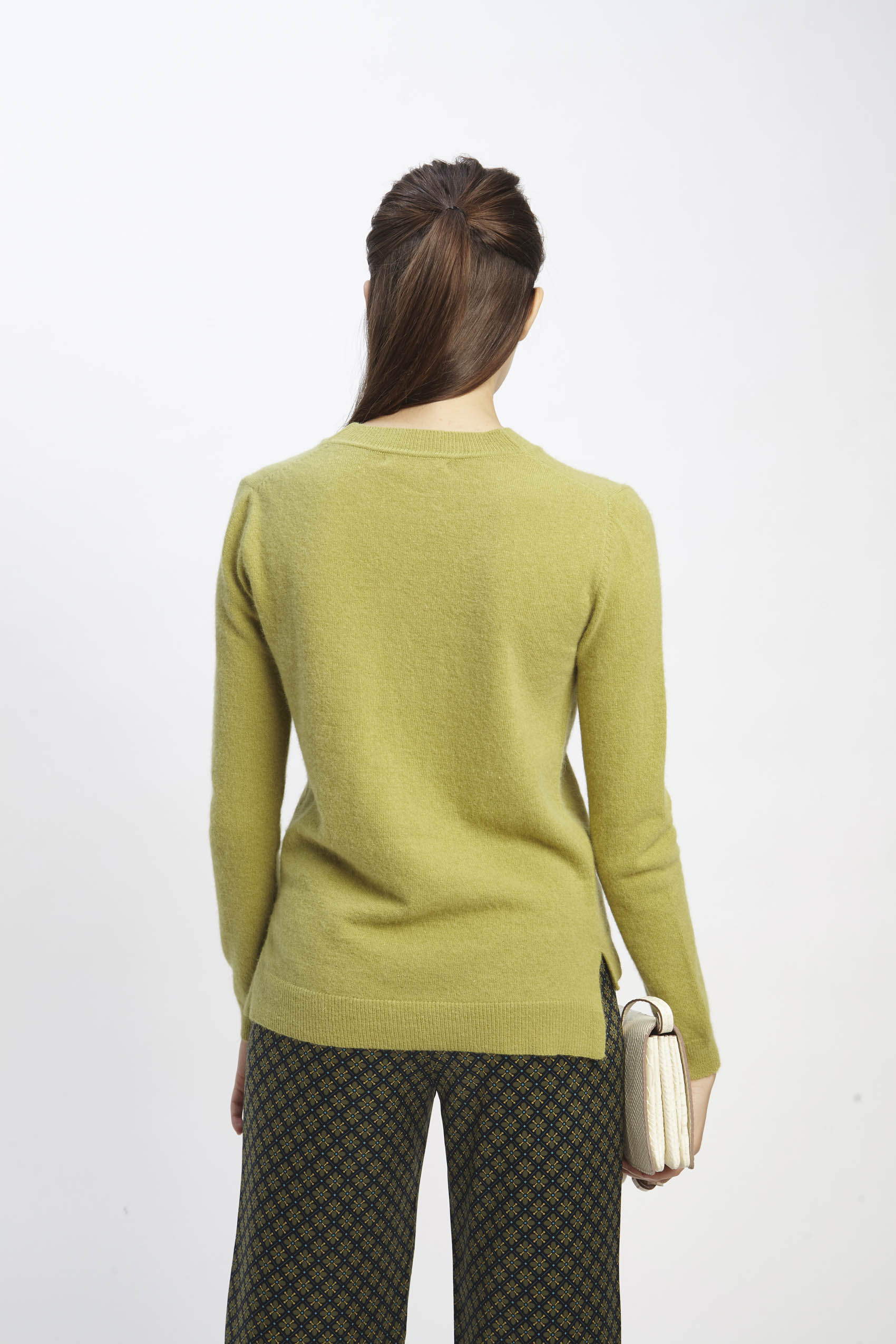 awada_sweater-elin_44-16-2020__picture-2027