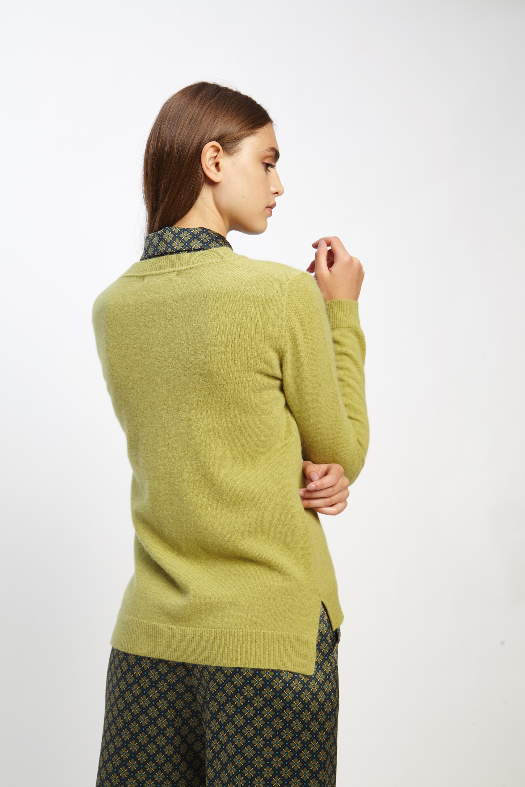 awada_sweater-elin_44-16-2020__picture-2497