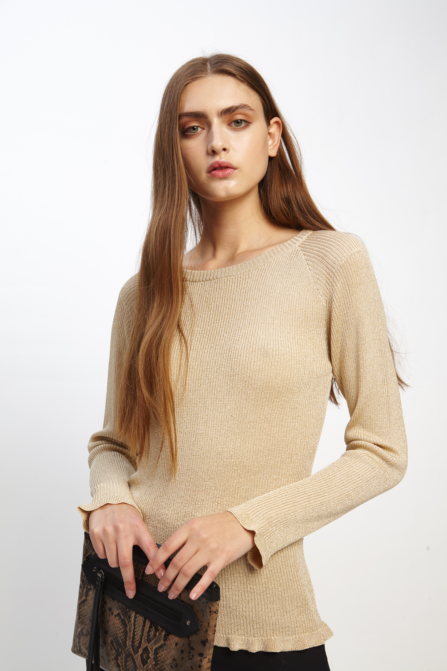 awada_sweater-celine_23-17-2019__picture-2508