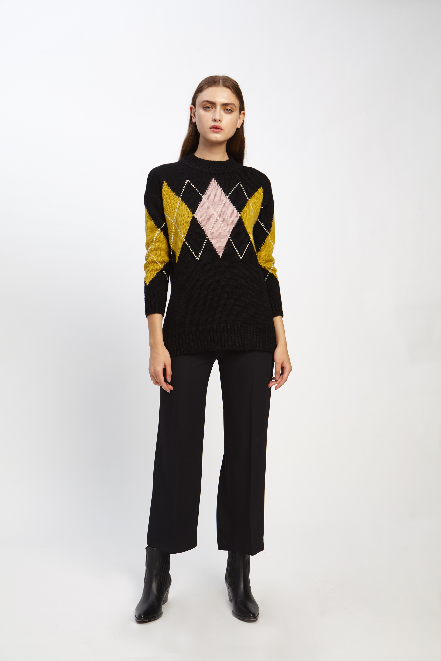 awada_sweater-emmanuelle_44-16-2020__picture-2513