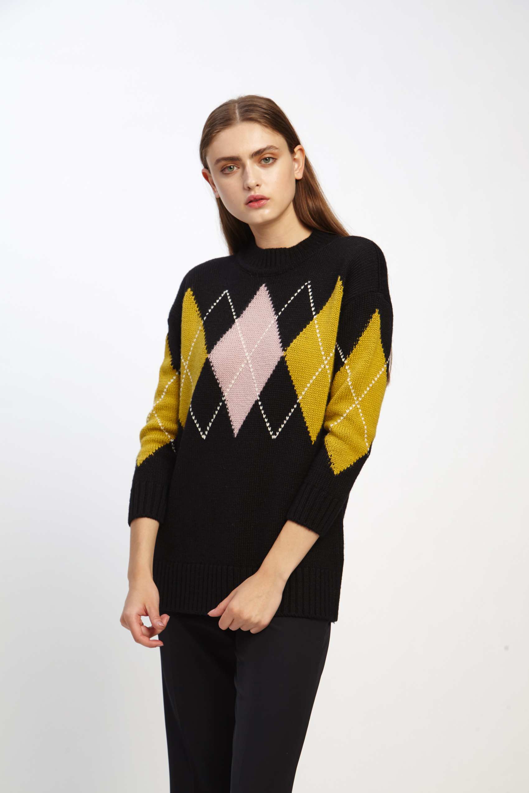 awada_sweater-emmanuelle_44-16-2020__picture-2514